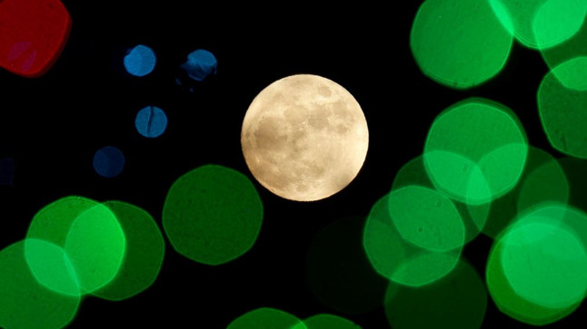 Super Moon and Holiday Time!