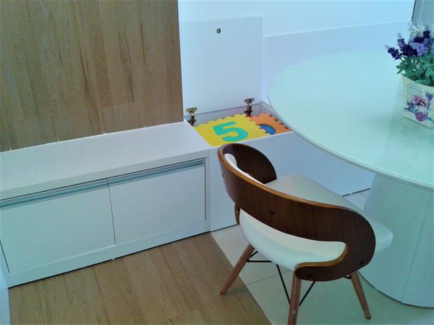 Apartamento C&C - Detalhe Banco-baú