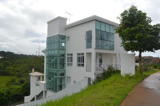 Residência Alphaville - Fachada Lateral