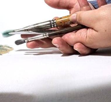 artist hands hannah v fine arts painting.jpg