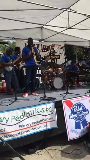 Jazzy Jazz Band at Arts on Riverdale