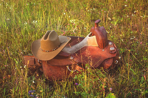 Western cowboy saddle - leather ammuniti