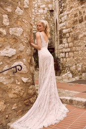 EZRA-ML9718-FULL-LACE-FITTED-GOWN-WITH-P