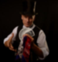 Will Roberts is a Professional Actor, Magician, Balloon Artist