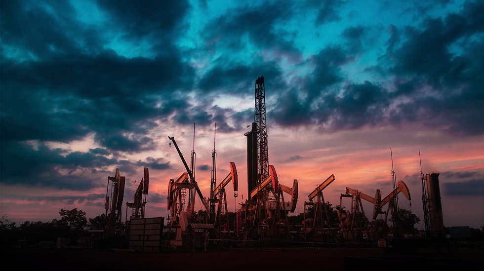 Oil Drilling Rig with group of oil pump