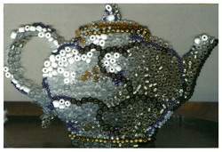 teapot with white border