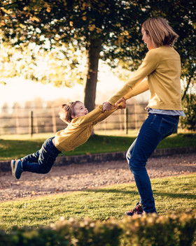 children & family photographer wiltshire
