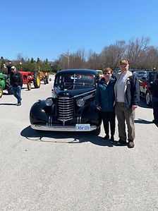 Al and Judy Grondin 1937 Olds Sedan.jpg