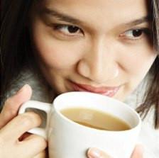 Изменения цвета зубов: возможные причины и коррекция
