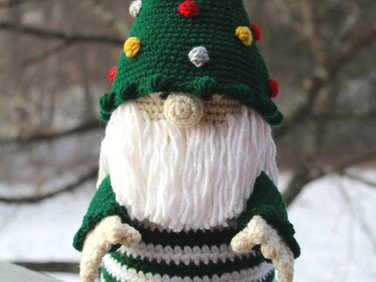 Christmas Tree Gnome by Laura Jaworski 🎄💕