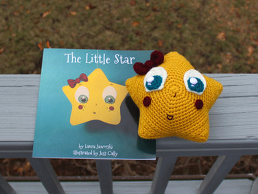 The Little Star Crochet Book Character by Laura Jaworski ⭐