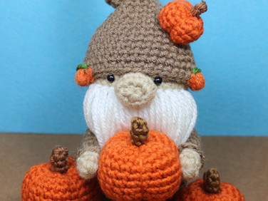 The Pumpkin Gnome Free Crochet Pattern by Laura Jaworski (@bugburrypond) 🎃