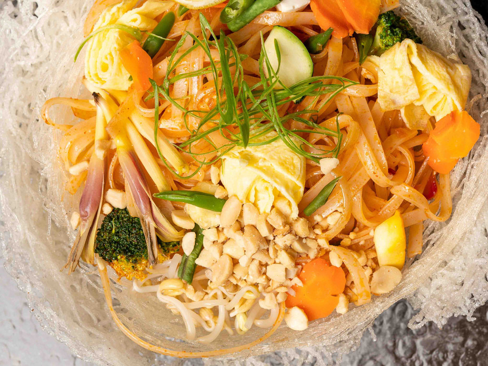 Phad Thai Je - Stir fried rice noodles w