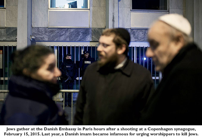 Jews gather at the Danish Embassy