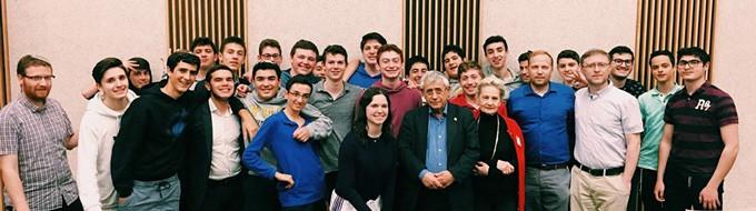 Class of Or Chaim with Dr. Mordechai Kedar, flanked by Pearl Kraft, Goldi Steiner, Rabbi Gal Ben-Meir, and Yaacov Rand
