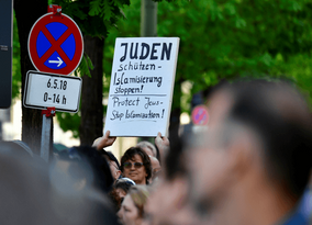 Germany: Anti-Semitism chief tells Jews that their fears over the influx of Muslim migrants are legi