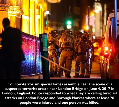 Counter-terrorism special forces assemble near the scene of a suspected terrorist attack near London Bridge on June 4, 2017 in London, England. Police responded to what they are calling terrorist attacks on London Bridge and Borough Market where at least 20 people were injured and one person was killed.