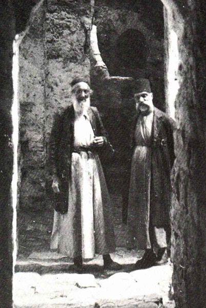 402px-Jewish_ghetto_in_hebron_1921.jpg