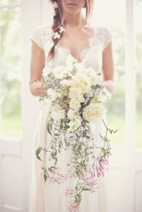 Cascading-Bridal-Bouquets_edited.jpg