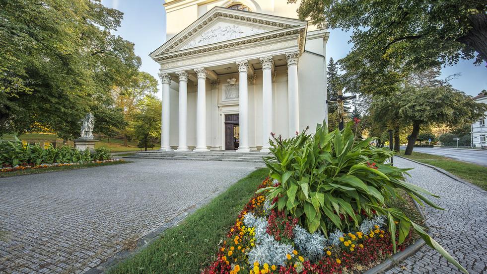 Kostel Vzkříšení Páně - Slavkov