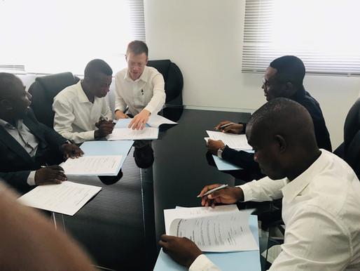 Apex Industries S.A. y Subsea 7 Equatorial Guinea, firman los contratos laborales de 4 técnicos