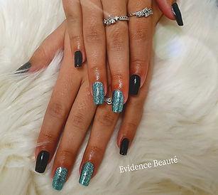Depose + pose de semi permanent sur ongles naturels Bleu océan pailleté et noir