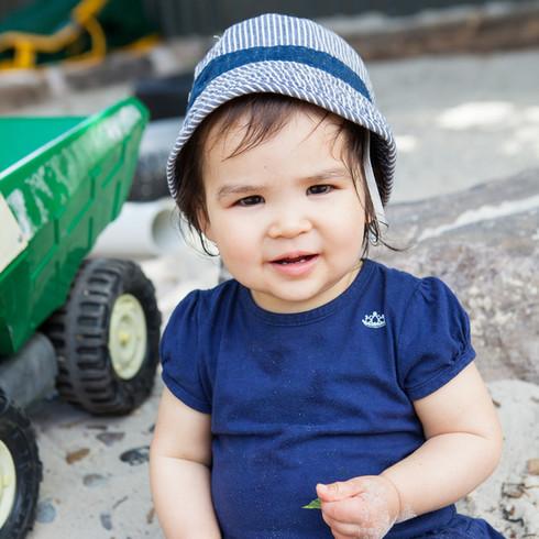 baby girl melbourne daycare blue hat1.jp