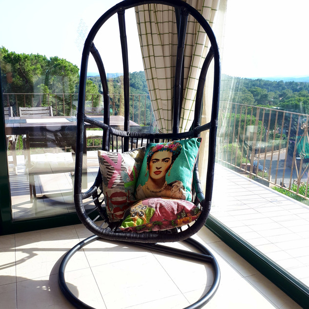 living hangstoel.jpg