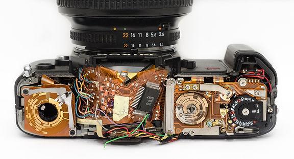 broken-camera-circuitry-9495.jpg