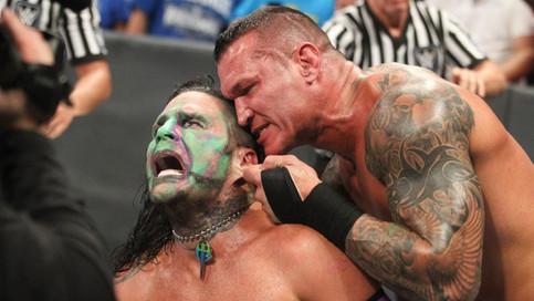 SmackDown LIVE: Ataque despiadado de Orton a Hardy; Styles vs. Cien Almas y más (VIDEOS)