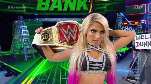 WWE Money In The Bank: Strowman gana maletín; Bliss NUEVA Campeona de RAW; Styles retiene y más (VID