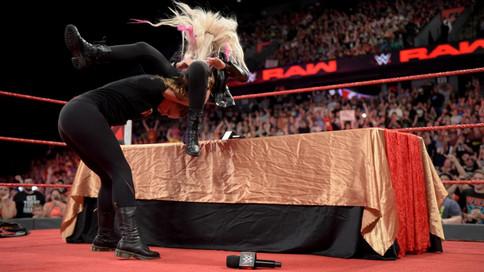 RAW: Ronda Rousey suspendida, Ziggler NUEVO Campeón Intercontinental y más (VIDEOS)