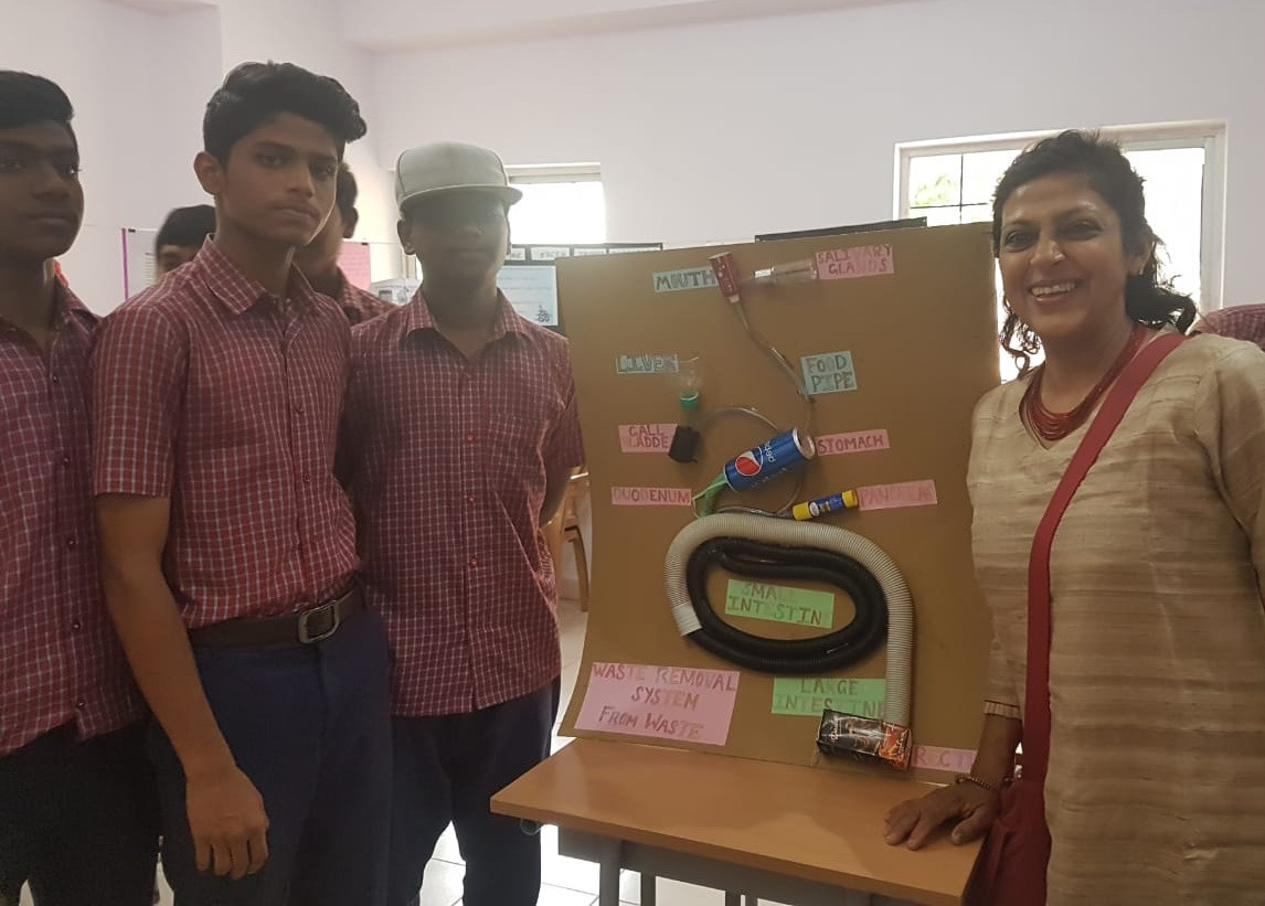 9. Students with Dr. Shalini Modi, Gover