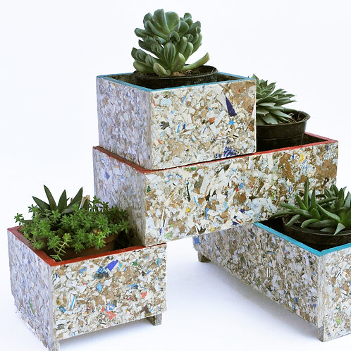 RAY STACKABLE PLANTER SET OF 4