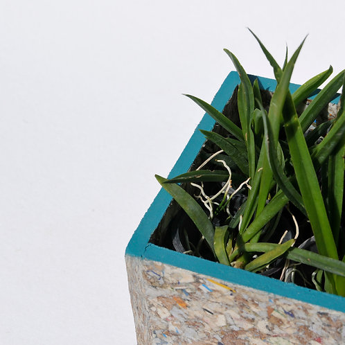 RAY STACKABLE PLANTER SQUARE
