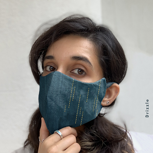 Smirr/Drizzle Embroidered Mask