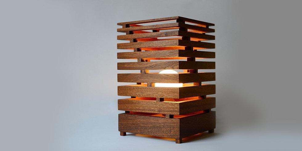 BAULAMPE LAMP - Sapele table lamp