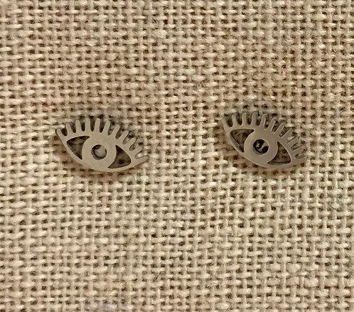 Eye earrings in silver