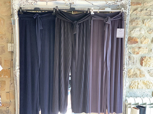 Demi pleated trousers