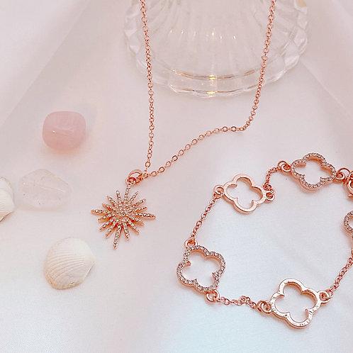 Delicate Flower Motif Bracelet