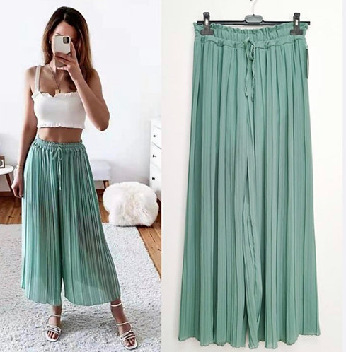 Chic Pleated Trousers