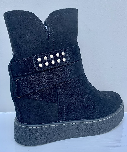 Ankle Boots with Hidden Wedge Stud Ankle