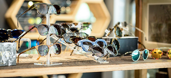 Select Shades Sunglasses Store Corporate Gifts