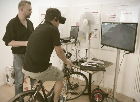 Testen des VR Fahrrads