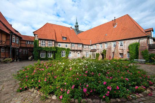Kloster Lüne_Innenhof_C-Kloster Lüne.jpg