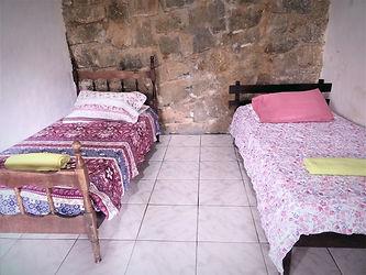 quarto com duas camas.jpg