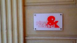 054-pixel-et-decibel