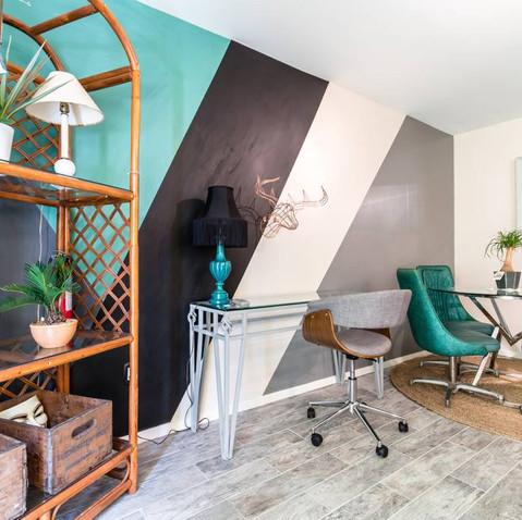 Artist's Lounge 1 Bedroom in Oaklawn 4.j
