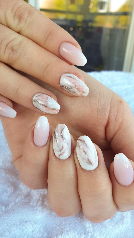 Ongles en gel babyboomer et effet marbre