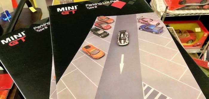 MINI GTの1/64ミニカー用パーキングジオラマ